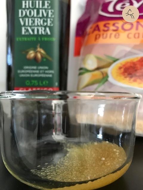 sucre et huile d'olive pour exfolier la peau naturellement